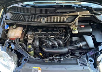 Motortér tisztítása