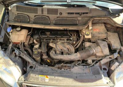 Motortér tisztítás elött
